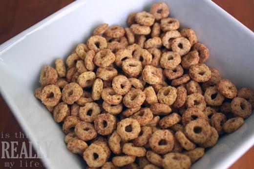 Kellogs FiberPlus Cinnamon Oat Crunch