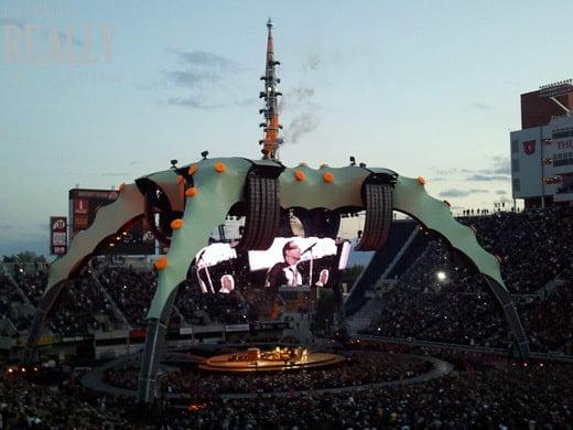 U2 360 Tour concert