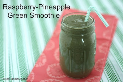 raspberry pineapple green smoothie