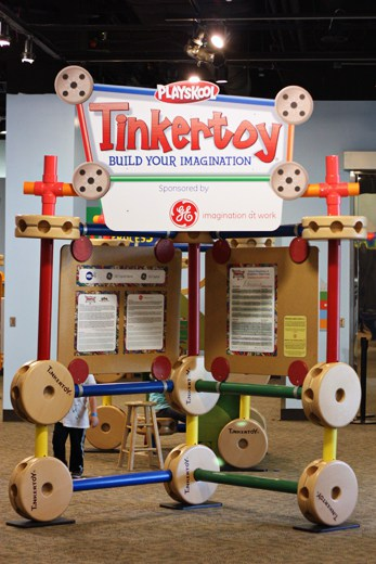 Discovery Gateway Children's Museum Tinkertoy exhibit
