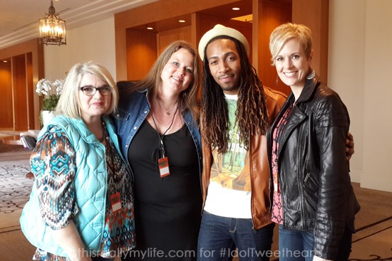 IdolTweethearts with American Idol contestant Maurice Townsend