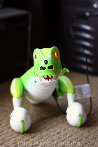 Zoomer Dino angry