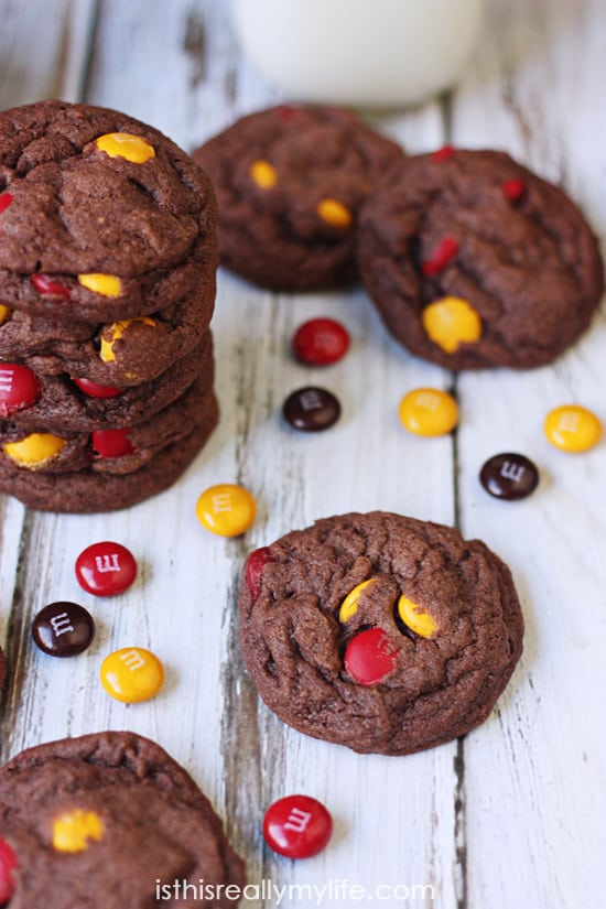 Chocolate Harvest Blend M&Ms Pudding Cookies -- the scrumptiousness of chocolate cookie dough combined with festive fall M&Ms makes for the perfect kid-friendly fall dessert!