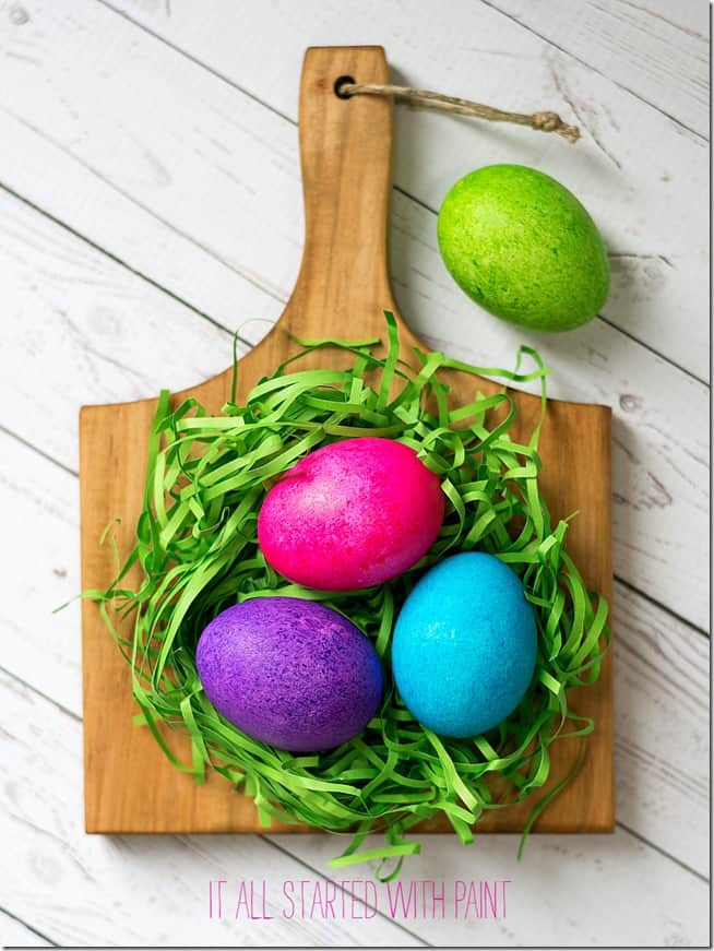 Easter eggs with rice & food coloring