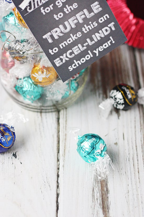 Lindt Truffles Teacher Appreciation Gift -- you will for sure be the favorite if you give your teacher a mason jar filled with Lindt truffles!