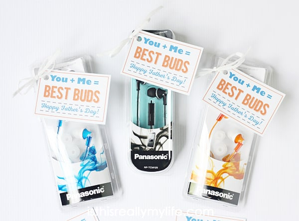 Best Buds Father's Day printable gift tag - you will be the favorite with this Fathers Day gift idea!