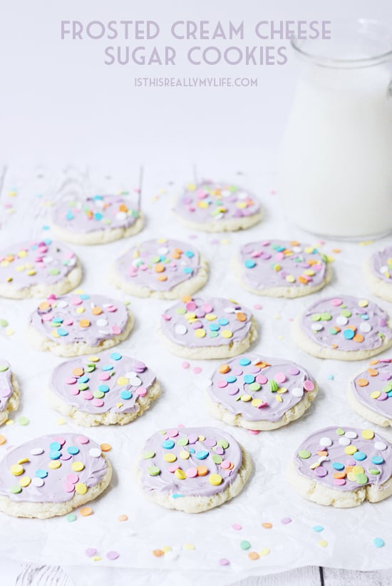 Cream Cheese Sugar Cookies -- quick and easy, soft and chewy. Whether you eat them frosted or plain these cream cheese sugar cookies are so yummy!