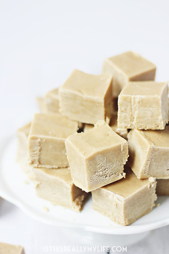 Ridiculously Easy Peanut Butter Fudge - This easy peanut butter fudge is smooth, creamy and delightfully peanut buttery. Even better, it does not require any candy-making skills!