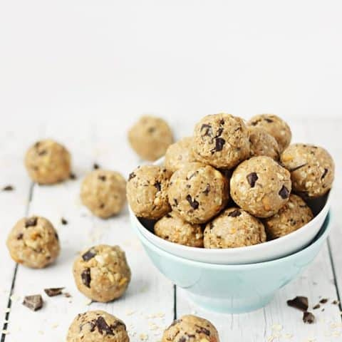 Crunchy Peanut Butter Protein Bites -- These crunchy peanut butter protein bites are some of the easiest and tastiest protein bites (aka protein balls) I have ever made!   halfscratched.com