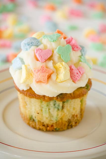 Lucky Charms Cupcakes for St Patricks Day