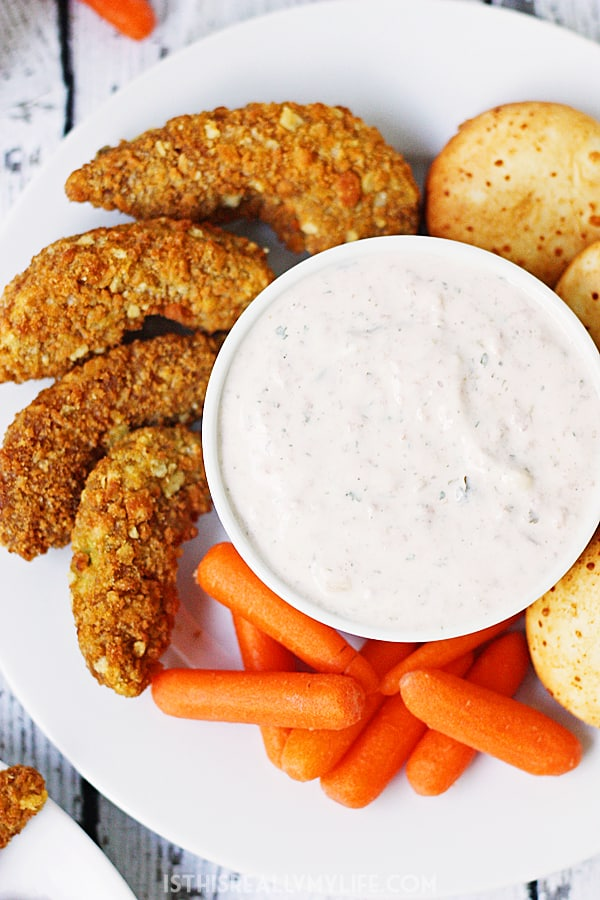 Skinny Creamy Salsa Dip -- This skinny creamy salsa dip made with non-fat Greek yogurt is a healthy and super tasty way to enjoy your favorite appetizers and after-school snacks!   isthisreallymylife
