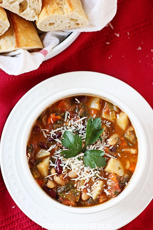 Homemade Minestrone Soup -- This homemade minestrone soup is chock full of flavor thanks to lots of fresh vegetables, herbs and coarsely chopped pancetta. | halfscratched.com #recipe #soup