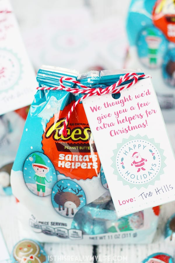 "Reese's Santa's Helpers Gift Idea -- Give friends and family a little extra ""help"" this holiday season with this Reese's Santa's Helpers easy last-minute Christmas gift idea! 