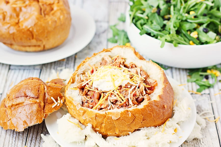 Slow Cooker Pulled Pork Chili Freezer Meal -- Delivering freezer meals like this slow cooker pulled pork chili is a great way to help feed the hungry and #LightTheWorld this holiday season. | halfscratched.com