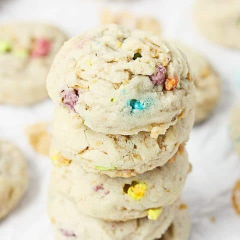 Lucky Charms Frosted Flakes Cookies --Lucky Charms Frosted Flakes cookies are soft and chewy with a hint of crunch and a smattering of sweet thanks to those crispy flakes and colorful marshmallows. | halfscratched.com