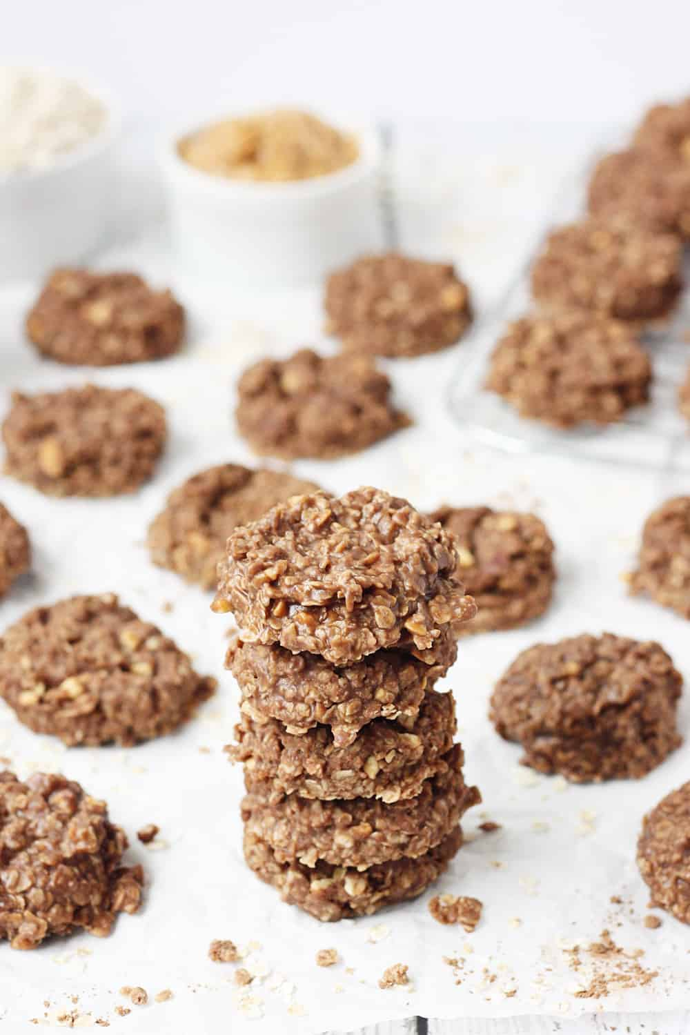 Crunchy Peanut Butter No-Bake Cookies -- I do not make crunchy peanut butter no-bake cookies very often because I can not resist eating the entire batch! These no-bake cookies take about 15 minutes from start to finish and have the perfect combination of peanut butter, chocolate, and oatmeal. | halfscratched.com #cookies #chocolate #peanutbutter #oatmeal #recipe #dessert