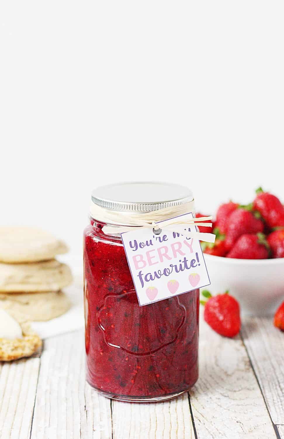 Easy Mixed Berry Freezer Jam -- This easy mixed berry freezer jam recipe features the perfect combination of strawberries and blackberries and is a great way to enjoy summer berries! Don't forget the free printable gift tag when sharing this easy freezer jam with friends and family! #jam #freezerjam #berry #strawberry #blackberry #jelly #easyrecipe #printable #gifttag #freeprintable
