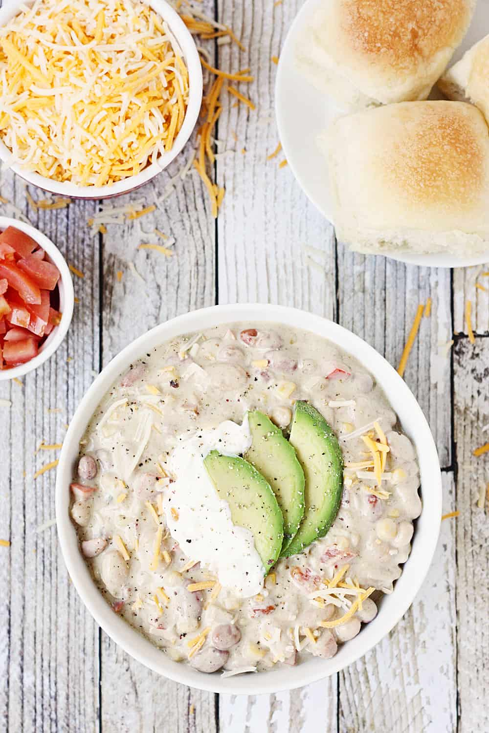 Easy Vegetarian White Bean Chili -- Busy weeknights call for yummy recipes like this easy vegetarian white bean chili. Bell pepper, onion, and corn make it extra hearty!